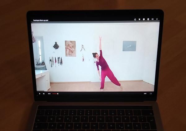 Online – Tanzimprovisation im Wohnzimmer – Dienstags